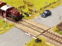 H0 LC Bahnübergang Holzbohlen